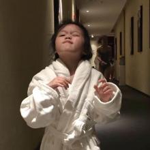 李小咿她爸头像